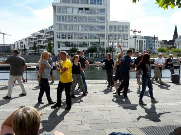 2016_wcs-flashmob-4zu3